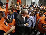 O presidente da Câmara, Eduardo Cunha, é recebido em evento da Força Sindical, em São Paulo