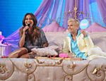 Xuxa recebe Sabrina Sato em seu programa na Record