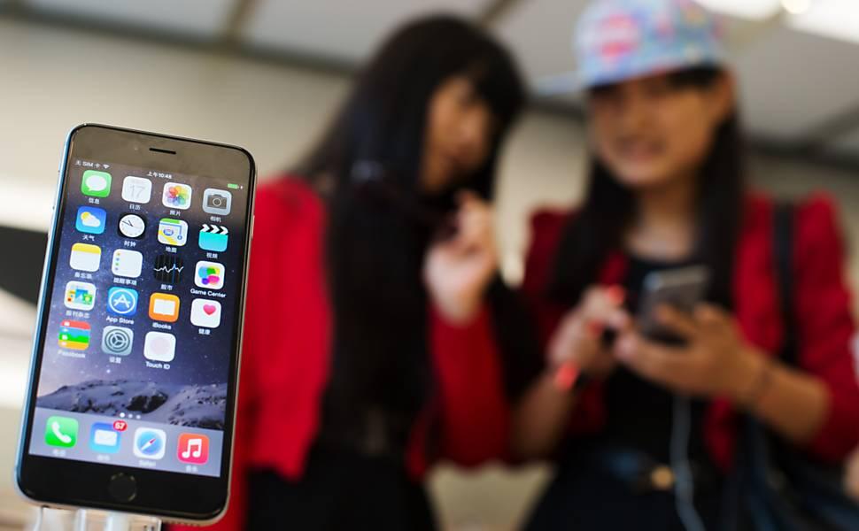 Consumidores na China não se abalam