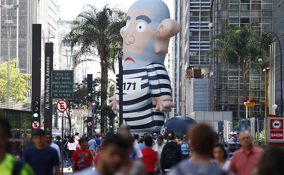 Boneco inflável de Lula