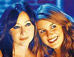 As atrizes Shannen Doherty (à esq.) e Shenae Grimes em cena do seriado