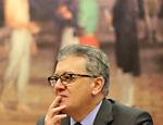 30.set.2015 - Acordo com Banco do Brasil troca empréstimo de US$ 1 bilhão por títulos de RS$ 4 bilhões, com o objetivo de reduzir a vulnerabilidade às variações cambiais. Na imagem, Aldemir Bendine, que saiu da presidência do Banco do Brasil para assumir a Petrobras, depõe em CPI da estatal
