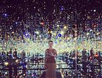 Katy Pery visita a exposição de Yayoi Kusama em Los Angeles