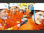 Em 2014, PF deflagra a Operação Lava Jato, que descobriu um esquema bilionário de desvios na Petrobras envolvendo ex-diretores da estatal, políticos, empreiteiros e lobistas. Na foto, Lula e Dilma comemoram descoberta do pré-sal