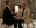 Daniel Craig (esq.), como James Bond, e Javier Bardem, que vive o terrorista Raoul Silva em