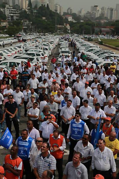 Protesto de taxistas contra o Uber