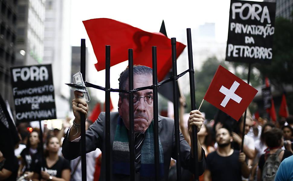 Protestos contra Cunha e 'PL do aborto'