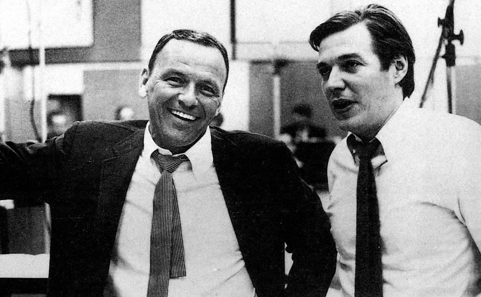 O cantor e compositor brasileiro Tom Jobim e Frank Sinatra