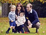 A família real posa para foto no palácio de Kensington, em Londres