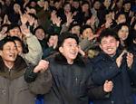 Foto oficial desta semana em que norte-coreanos comemoram na capital Pyongyang o suposto lançamento da bomba de hidrogênio