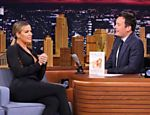 Khloé Kardashian é entrevistada por Jimmy Fallon