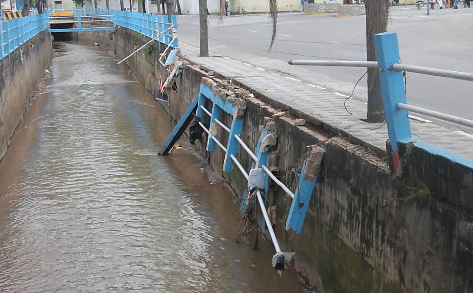 Enchentes em Poá