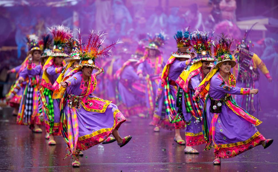 Resultado de imagem para carnaval na bolivia