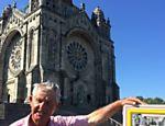 No alto do monte de Santa Luzia, em Viana do Castelo (norte de Portugal), uma enorme catedral se ergue próximo ao Atlântico
