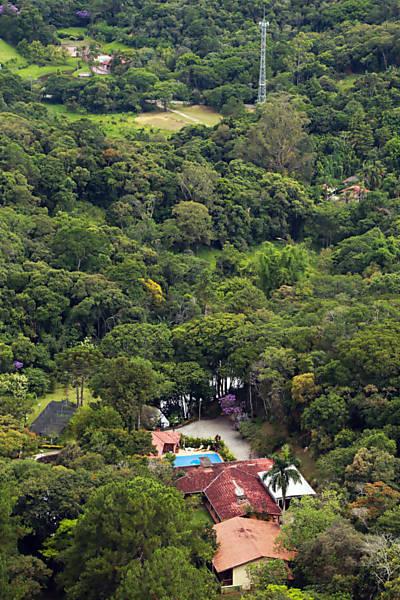 O sítio frequentado por Lula em Atibaia