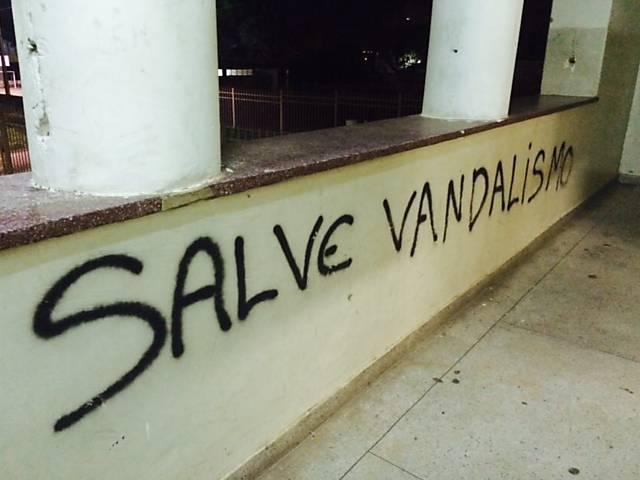 Alunos ocupam escolas em Goiás