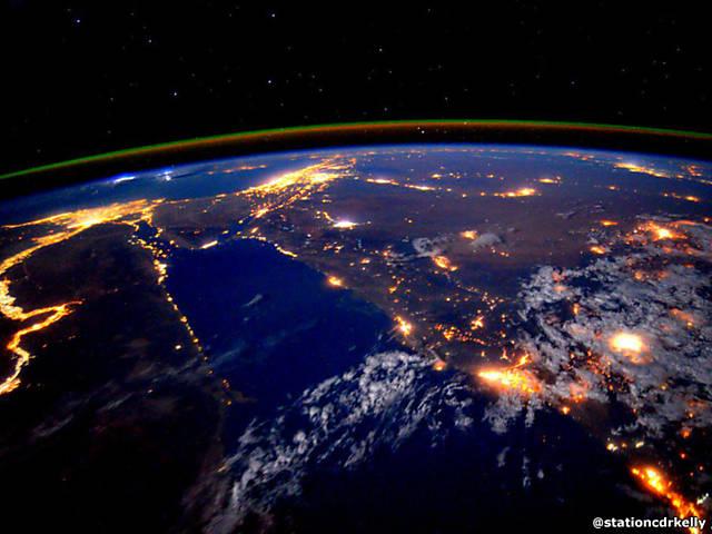 As melhores fotos de astronauta que passou mais de um ano no espaço