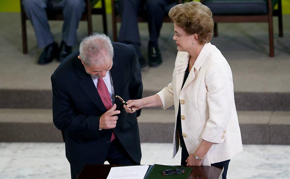 Lula toma posse como ministro da Casa Civil, em 2016