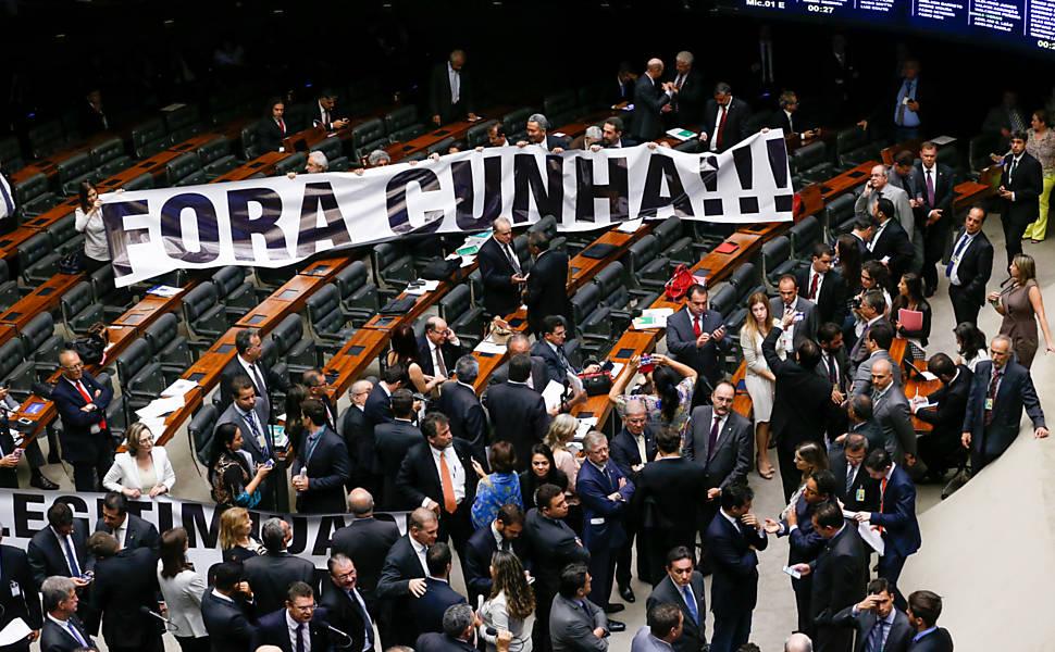 PMDB rompe com Dilma