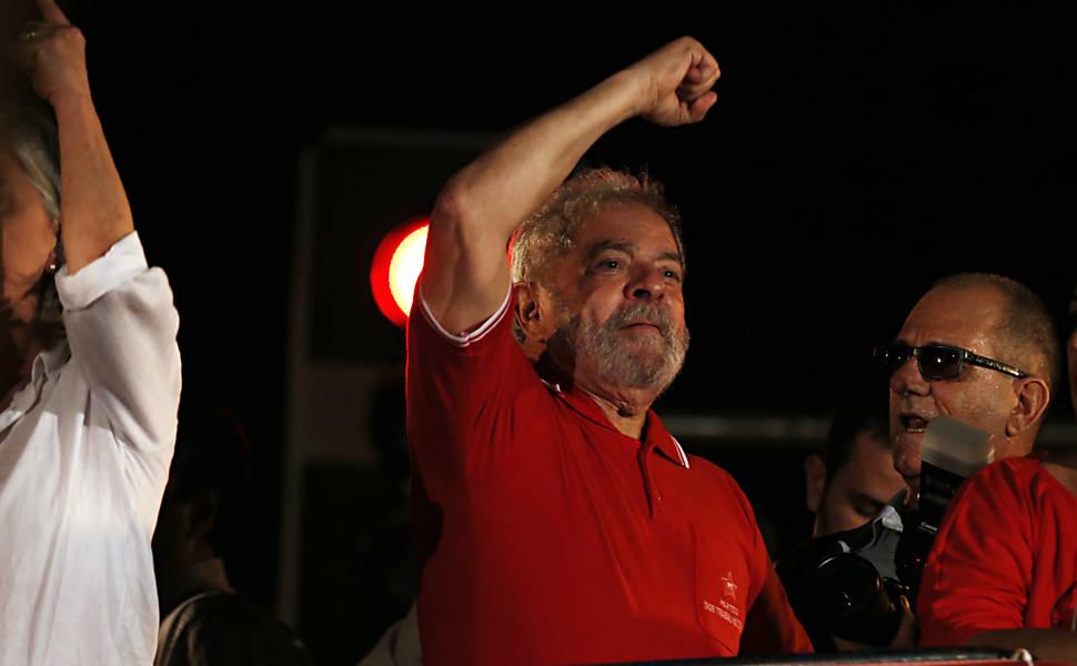 Lula participa de ato do Sindicato dos Metalúrgicos