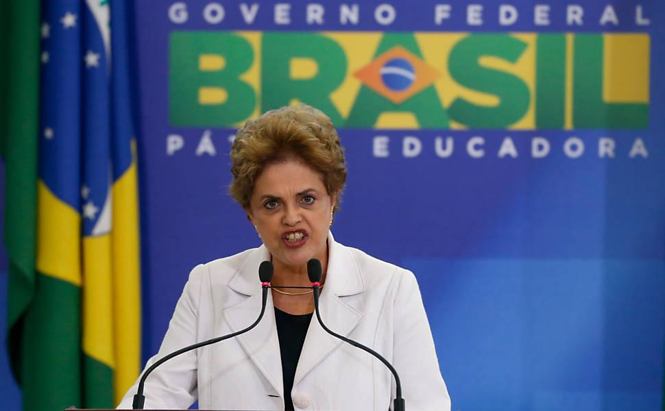 Dilma em evento pela democracia no Palácio do Planalto