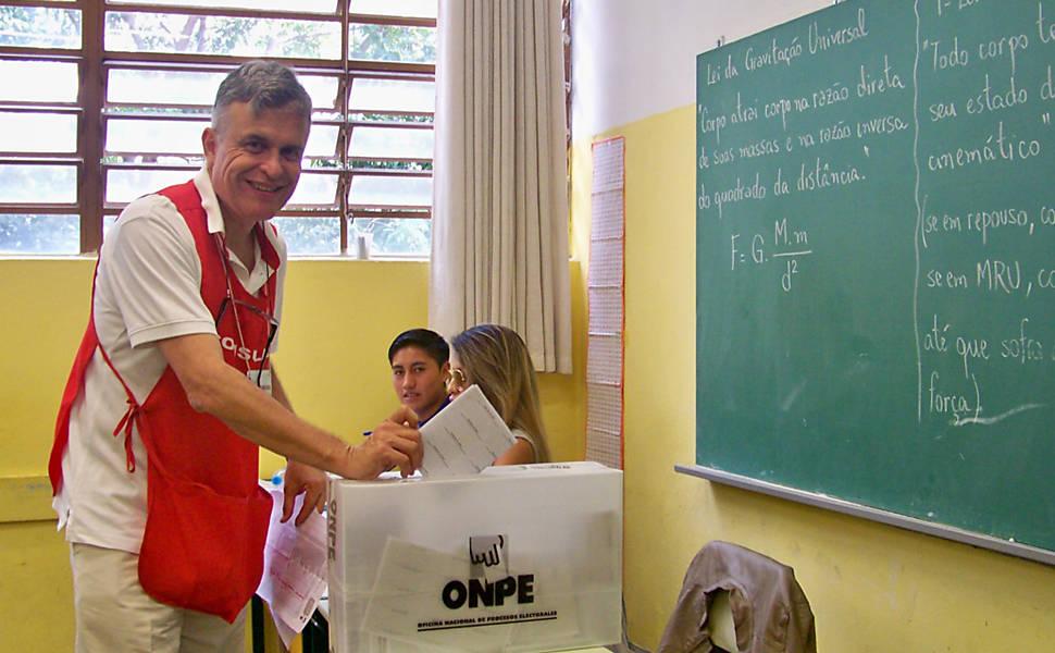 Los peruanos votan en São Paulo
