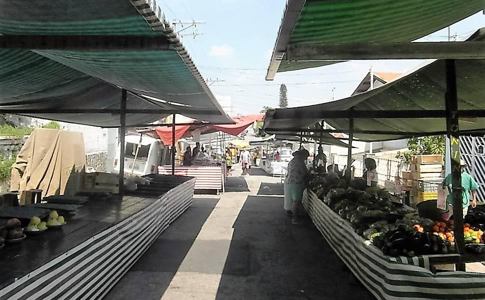 Feira tradicional da Vila Guilherme agoniza com falta de clientes