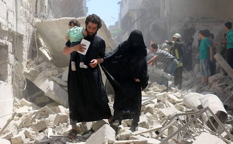 Bombardeios em Aleppo, na S�ria