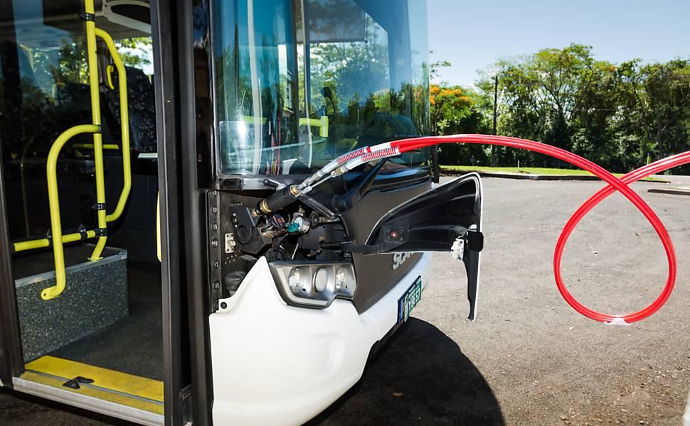 Novos ônibus a gás