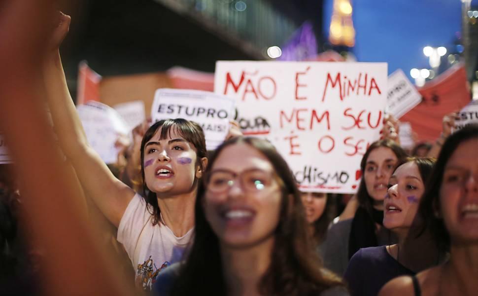 Passeata das mulheres contra o estupro