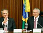 Temer acompanhado do presidente do Senado, Renan Calheiros (PMDB-AL), durante reunião com os governadores dos Estados para tratar sobre renegociação das dívidas estaduais