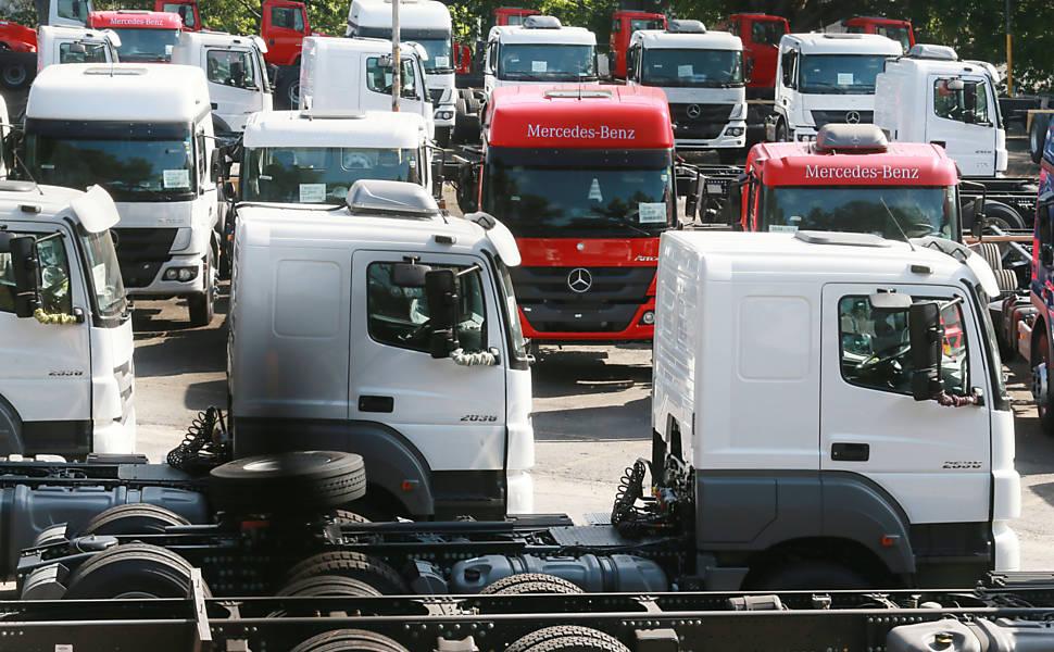 Produção de veículos cai em junho