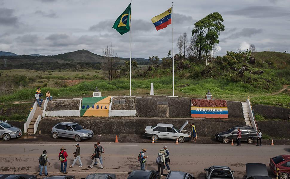 Venezuelanos vão a Roraima comprar alimentos