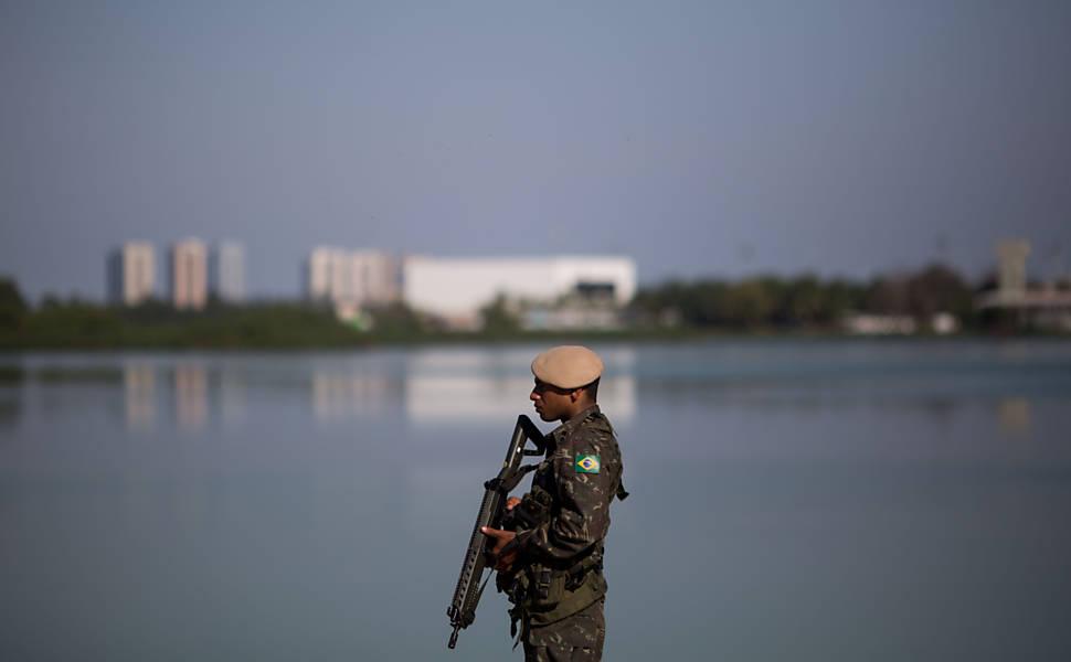 Forças armadas iniciam patrulha no Rio