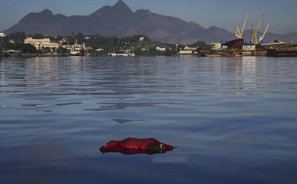 Águas poluídas no Rio de Janeiro