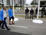 Presidente do COI, Thomas Bach chega à Vila Olímpica, no Rio de Janeiro