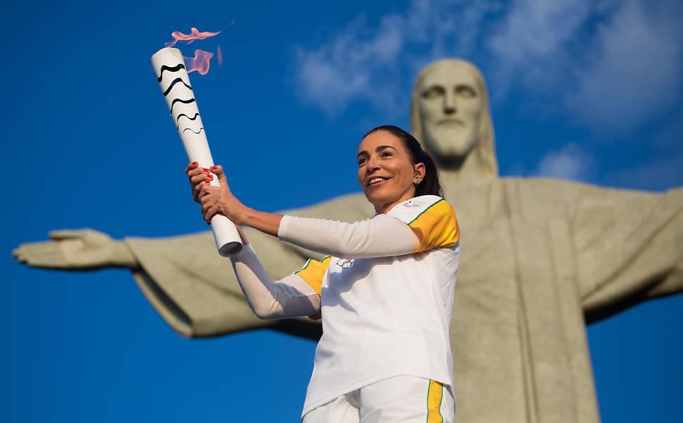 Tocha olímpica chega ao Rio