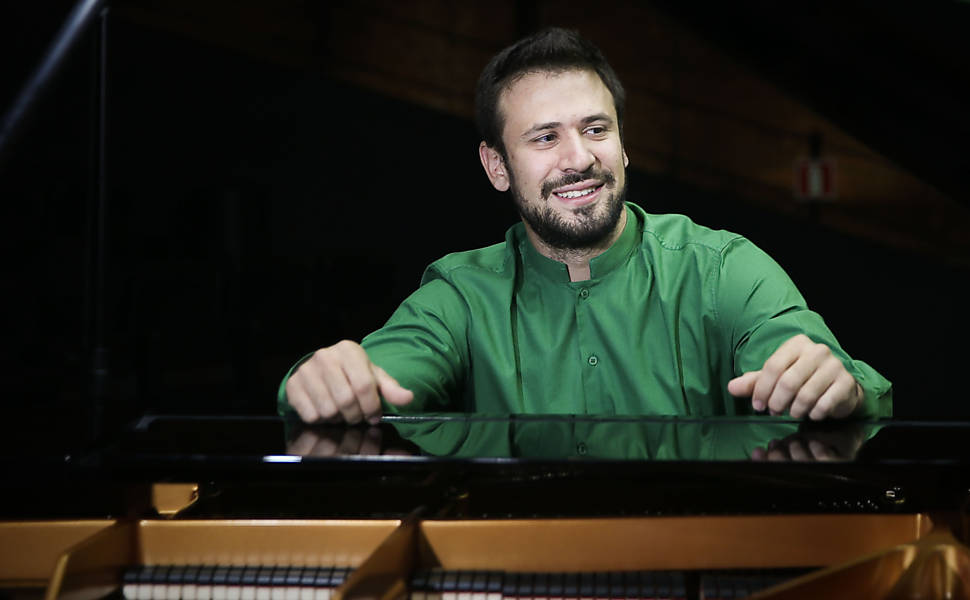 O pianista Cristian Budu