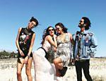 Thaila Ayala posa com look transparente em festival