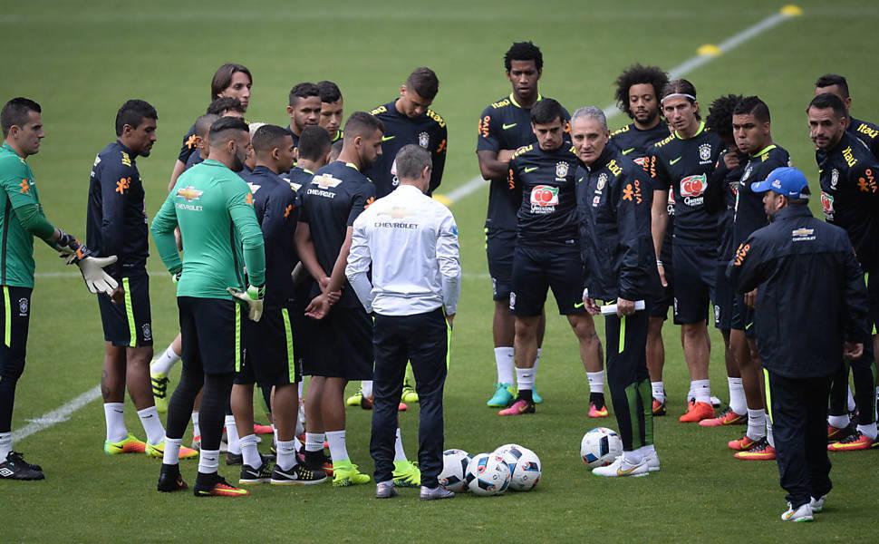 Treinos da seleção brasileira em Quito
