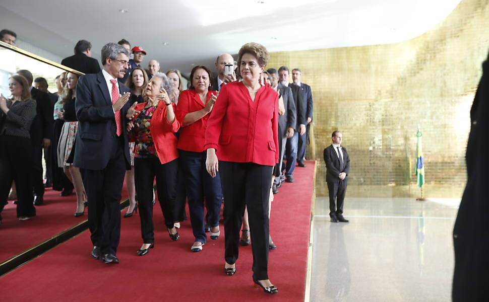 Dilma faz pronunciamento no Palácio da Alvorada
