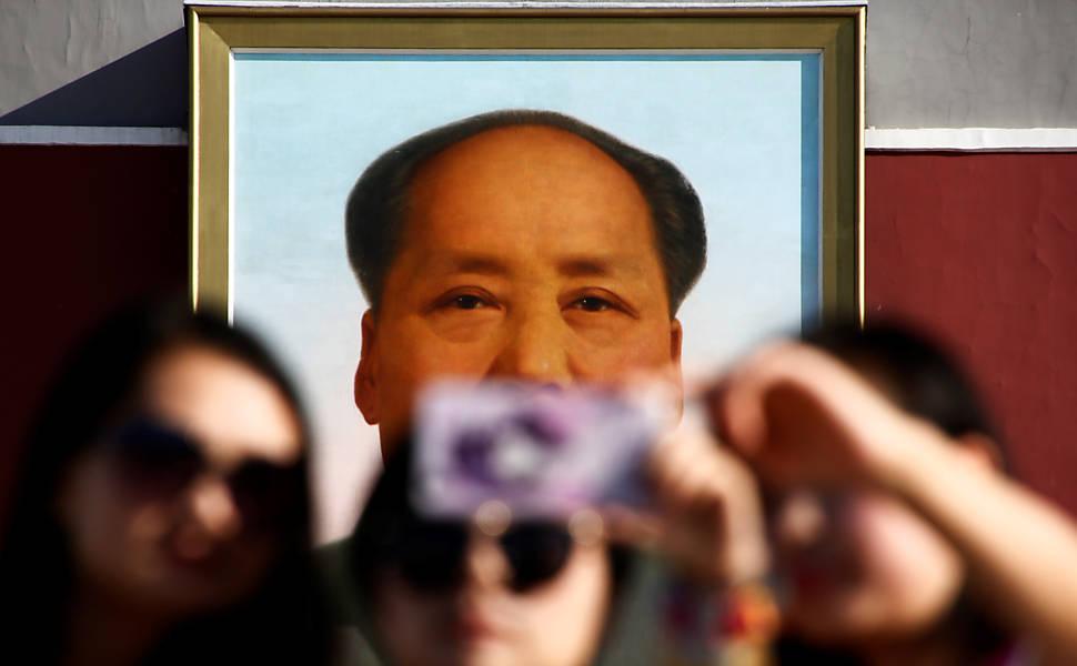 Chineses lembram 40 anos da morte de Mao