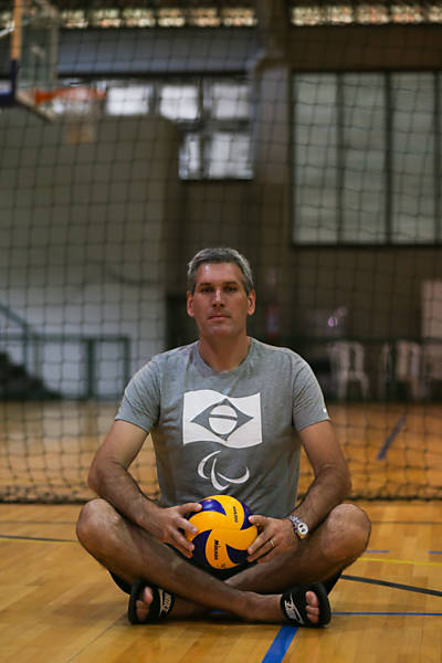 Campeões olímpicos inspiram seleção de vôlei sentado