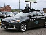 Carro autônomo do Uber dirige pela River Road, em Pittsburgh