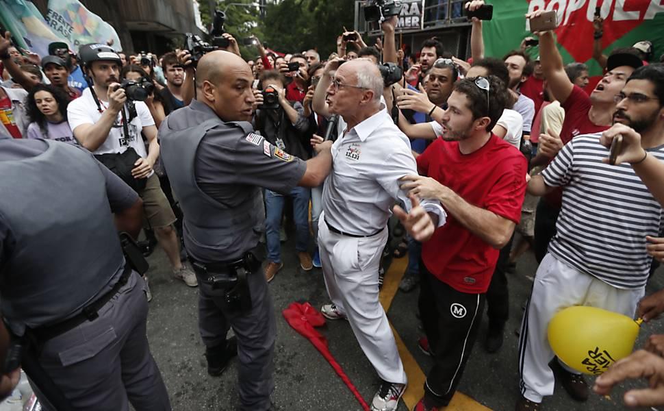 Protesto anti-Temer na Avenida Paulista