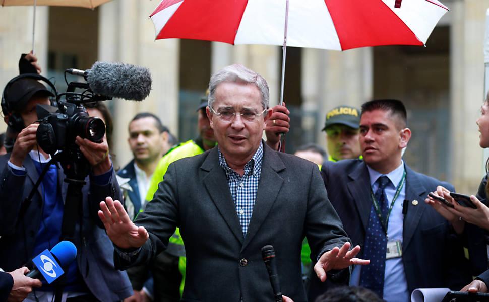 Colômbia rejeita acordo de paz