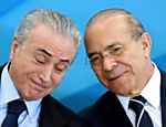 O presidente Michel Temer conversa com o ministro-chefe da Casa Civil, Eliseu Padilha