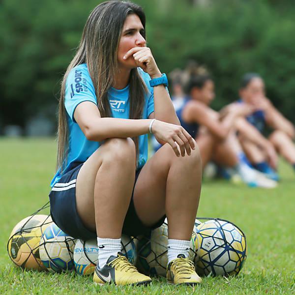 Emily Lima - Treinadora da equipe feminina do S�o Jos�