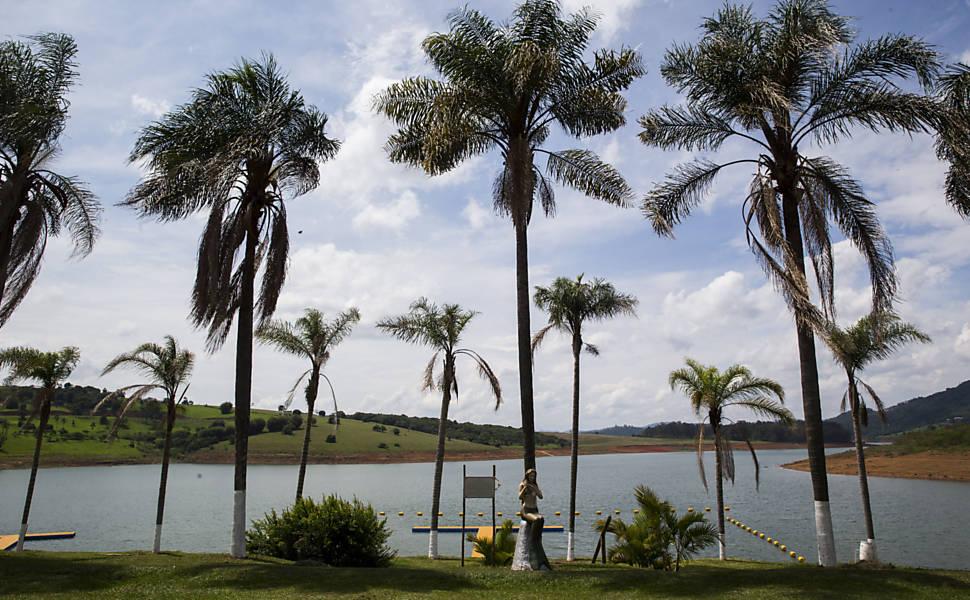Imagem da represa Jaguari-Jacareí, a maior do sistema Cantareira