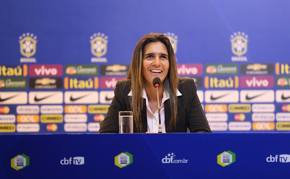 Emily Lima - Treinadora da equipe feminina do São José